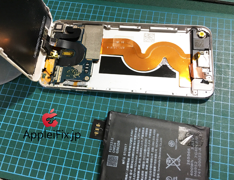 iPodTouch5世代のバッテリー交換修理.JPG